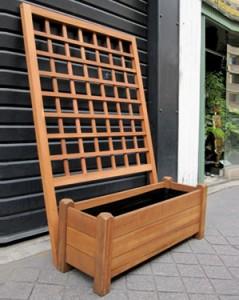 Jardinière en bois exotique Iroko et treillage